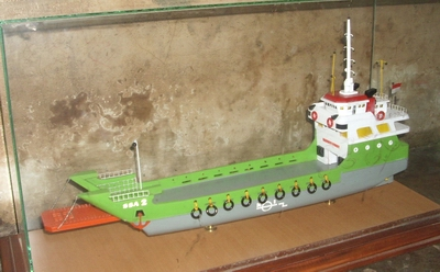 wood-ship-miniature-ferry-ssa-2