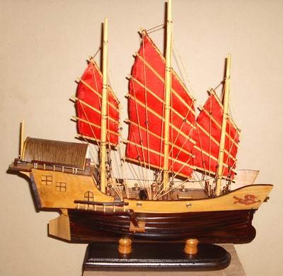 Miniatur Kapal kayu Red Dragon