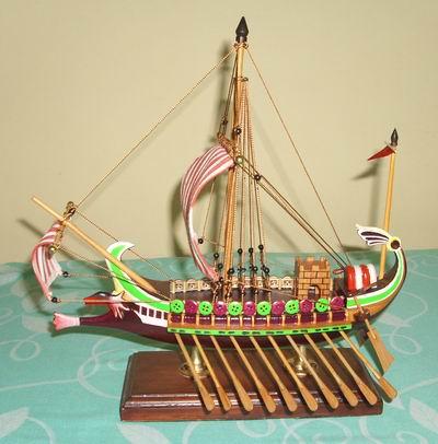 Miniatur Kapal perang Romawi